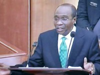 2015 elections: CBN monitoring govt, politicians' spending— Emefiele