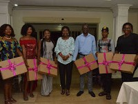Mrs Akeredolu gives laptops to corps members
